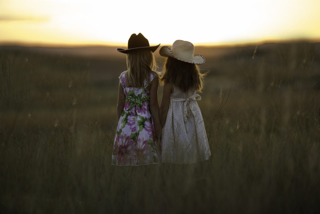 Tips for Teaching Siblings To Be Friends